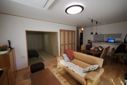 自然素材「珪藻土壁」と「真壁」を使った本格和風住宅