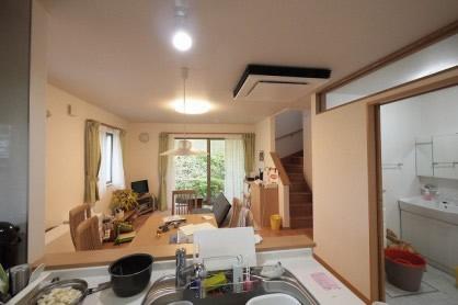 太陽光発電パネルを載せた電気代が全くかからない家