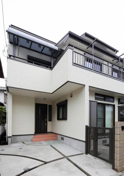 同居型二世帯3階建て住宅