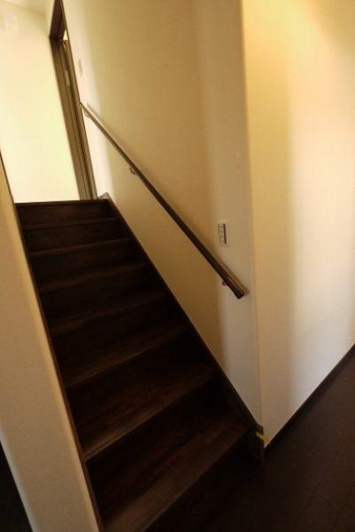 こんな家が夢だった。1階と2階の間に収納スペースをとった大収納の家