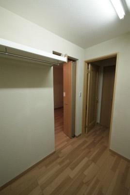 おじいちゃんおばあちゃんも一緒に住む地下室付き2世帯住宅