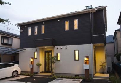 築3年の「健康住宅「呼吸する家」」こだわりのお庭が新緑満開